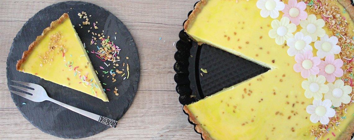 Zitronen-Orangen Cheesecake mit Pistazien-Topfen Boden