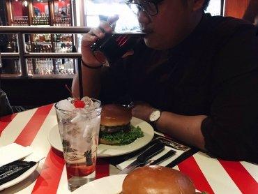 1+1 gratis Burger mit TGI Gutschein